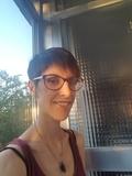 Chica española para limpieza y plancha - foto