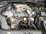 Motor renault megane laguna sceni F9Q 17 - foto