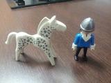 muñeco y caballo playmobil - foto