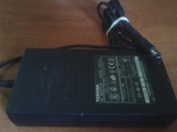 Cargador ordenador portatil Toshiba - foto