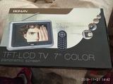 televisión portátil - foto
