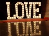 alquiler de letras gigantes luminosas - foto