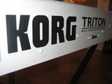 Korg Triton classic 61 teclas + Accesor. - foto