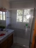 montador de mamparas de baño - foto
