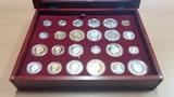 Historia de la peseta en plata y oro - foto
