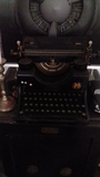 Maquina de Escribir MK, Vintage Antigua - foto