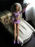 Muñecas Barbie sirenita y Barbie años 60 - foto