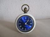 antiguo reloj-despertador europa,va bien - foto