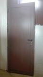 puerta de aluminio en sapeli - foto