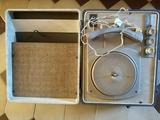 Tocadiscos portátiles antiguos - foto