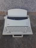 Maquina de escribir olivetti, linea 101 - foto