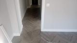 se ofrece instalador de suelos laminados - foto