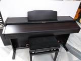 técnico en pianos electrónicos - foto