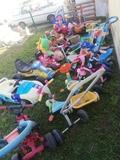 se vende lote de triciclos,correpasillo. - foto
