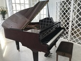 Piano de cola Yamaha, modelo  GB 1K - foto