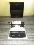 maquina de escribir  olivetitt - foto