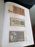 Libro de billetes y sellos - foto