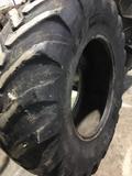 Neumático retroescavadora - foto