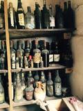 Coleccionista de vinos y Licores - foto