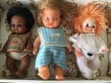 Muñecos antiguos pequeños - foto