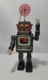 Robot con tv antigua - foto