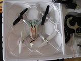 Dron blanco - foto