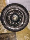 llantas 13 con sus neumáticos nuevos - foto