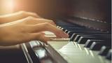 CLASES PIANO POR CONCERTISTA PROFESIONAL - foto