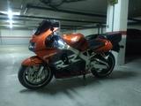 HONDA - CBR 900 RR FIREBLADE - foto
