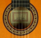 guitarra conde hermanos calle gravina - foto