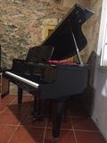 Piano Yamaha negro - foto
