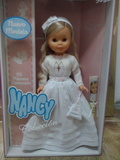 Nancy comunion en su caja nueva famosa - foto