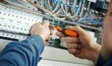 electricistas expertos y boletines. - foto