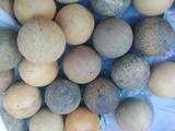 Bolas macizas de futbolin antiguo - foto