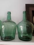 Antiguas Garrafas de vidrio soplado. - foto