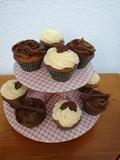 Cupcakes de mantequilla y chocolate - foto