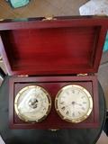 Barómetro y reloj - foto