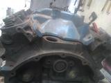 Motor Mopar v8 - foto