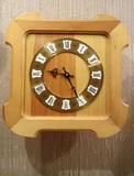 Reloj de pared cuadrado de madera años70 - foto