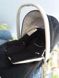 Silla de bebe para coche. - foto