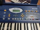 Teclado de piano Roland EM-10 - foto