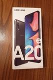 Samsung A20e - foto