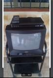 Lote televisión, decodificador y mesa - foto