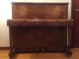piano vertical pared inglés W.H. Barnes - foto