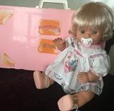 Nenuco con maletín cama armario - foto