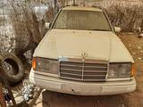 Mercedes 124 - foto