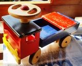 Camión de madera - foto