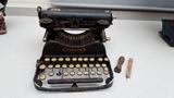 Maquina de Escribir Corona - foto