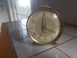 reloj-despertador micro antiguo - foto