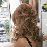 peinado y maquillaje - foto